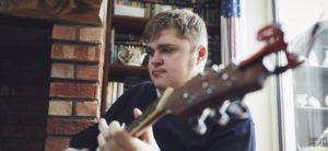Jason-weaver-plays-his-guitar-760x350